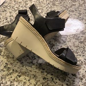 f4cc4e51443 Clarks Shoes - Clarks Palm Shine Wedge Sandal